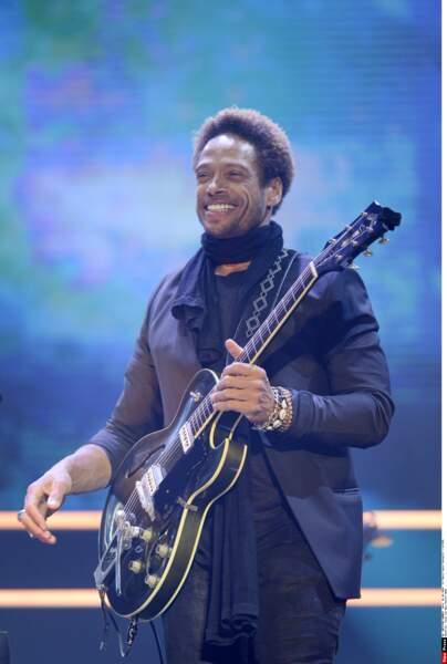 Il s'adonne à son autre passion : la musique ! Comme ici pour un concert en Italie en mai 2016. Depuis 2021, il est dans la série The First Wives Club
