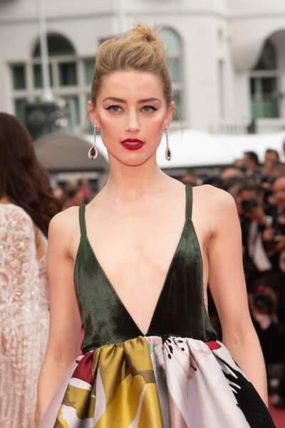 Amber Heard a fait sensation en montant les marches