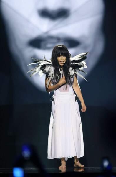 Loreen, pour la Suède, avait sorti ses plus belles ailes. Un peu gnangnan.