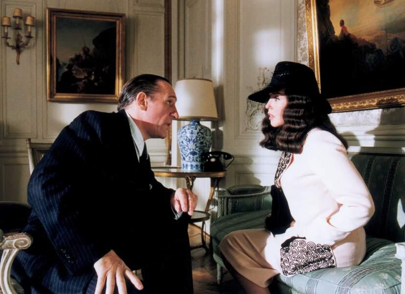 Elle donne la réplique à Gérard Depardieu dans Bon voyage (2003).