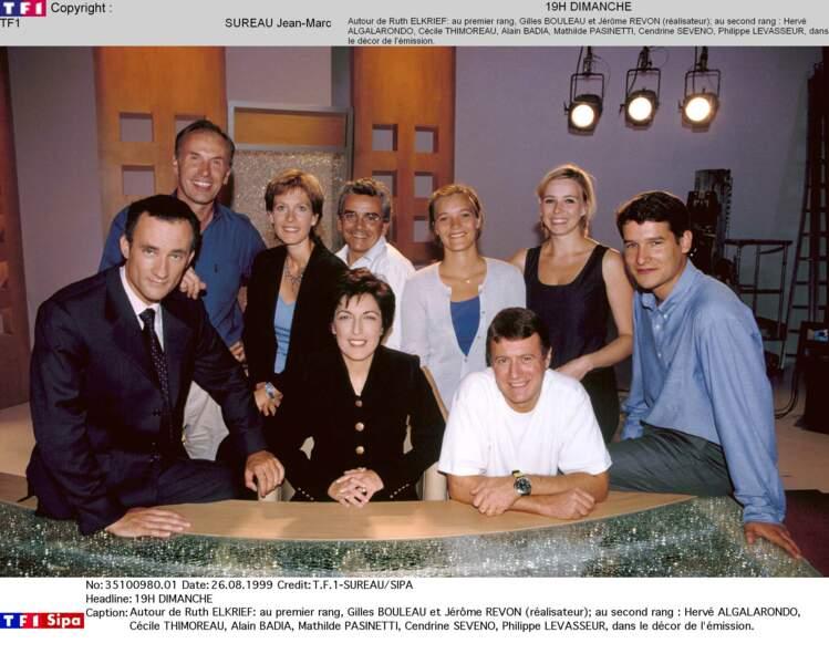 """En 1999, Gilles Bouleau (tout à gauche) est le rédacteur en chef de """"19h dimanche"""" présentée par Ruth Elkrief"""