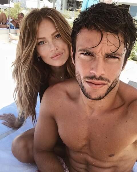 C'est toujours l'amour fou entre Caroline Receveur et Hugo Philip.