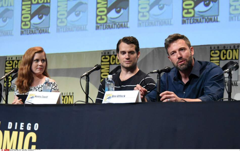 Batman v Superman: Dawn of Justice : Ben Affleck, aux côtés de Amy Adams et Henry Cavill