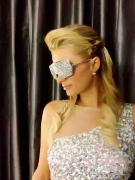 En 2013, Paris Hilton avait promis plus de sobriété. Eh bien c'est pas gagné !