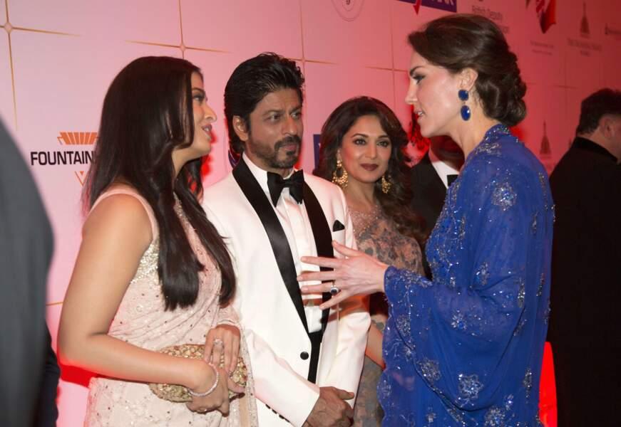 Et Kate de saluer l'actrice Aishwarya Ray et l'acteur Shahrukh Khan, deux mégas stars