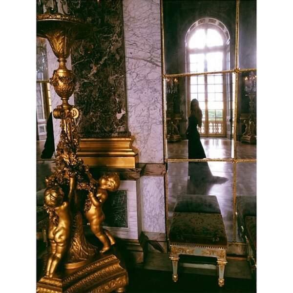 Kendall Jenner au Château de Versailles. Les Kardashian ont la folie des grandeurs.