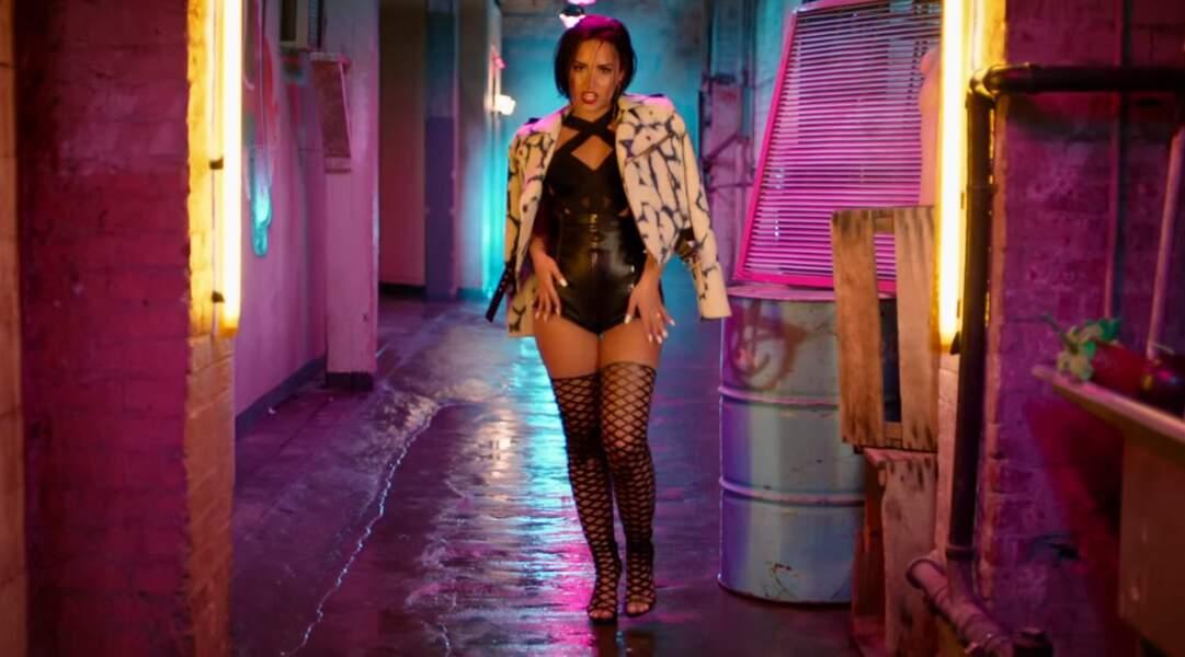 Demi Lovato n'a pas froid aux yeux dans le clip de Cool for the Summer (2015) premier single de son cinquième album