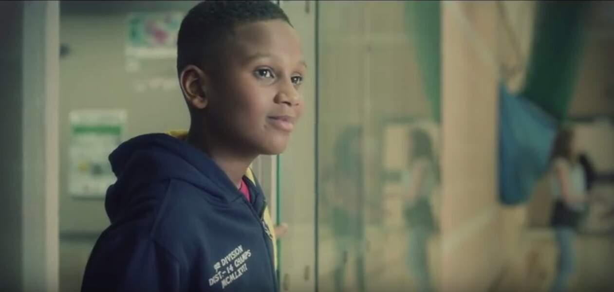 Après un télé-crochet anglais, TeenStar, Gabriel sort le single One