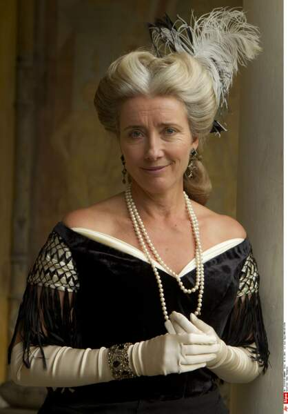 Royale dans le rôle d'une Lady, dans Effie Gray