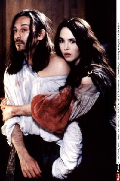 Avec Jean-Hughes Anglade dans La Reine Margot, en 1993