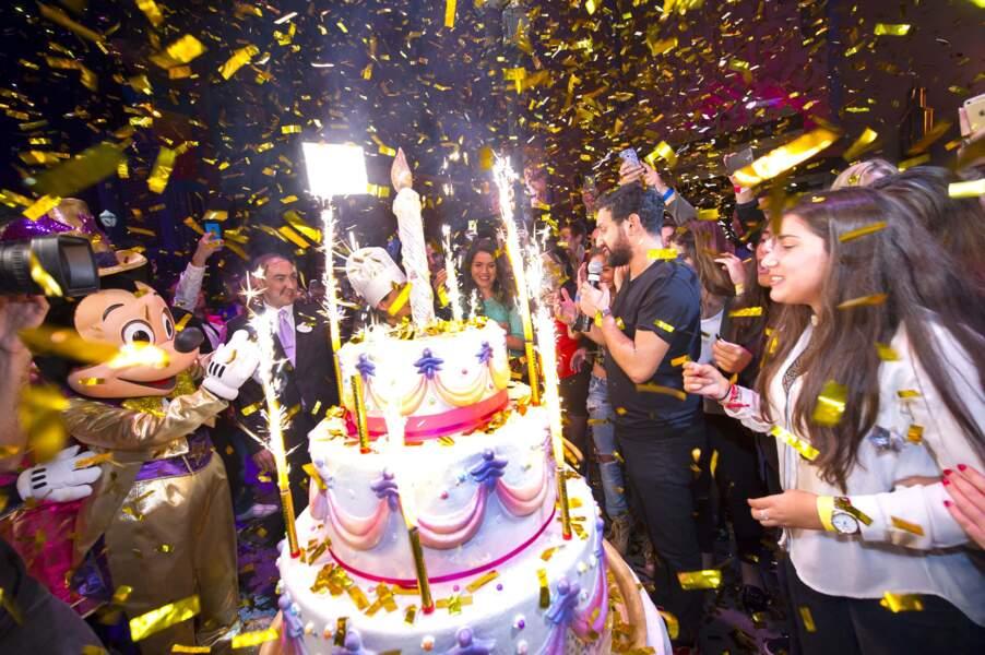 Comme dans tout anniversaire qui se respecte, c'est l'heure du gâteau et des bougies.