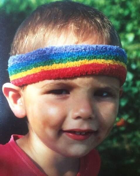 Qui est ce petit mignon qui voit la vie aux couleurs de l'arc-en-ciel ? C'est Florent Manaudou.