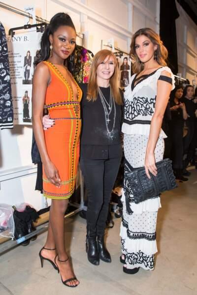 Miss Univers et Miss USA posent avec la créatrice Nicole Miller