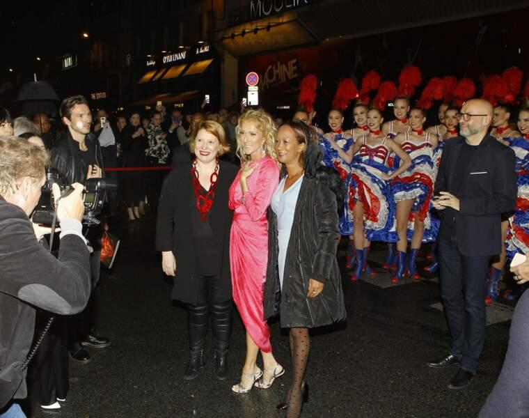 puis robe flashy au Moulin Rouge