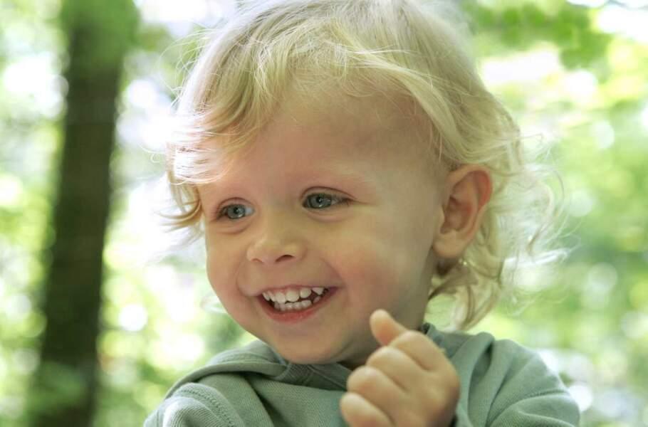 On finit la famille Lepic avec le petit dernier : Lucas (Thimothée Kempen Hamel). Le voici lors de la saison 1