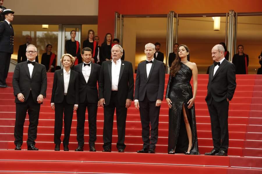 Alain Delon et Anouchka, accueillis en haut des marches