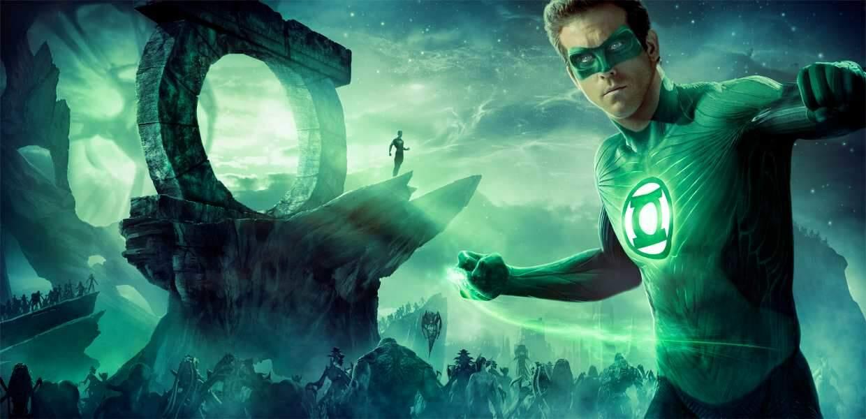 En 2011, c'est le charpenté Ryan Reynolds qui endosse le rôle de Hal Jordan, le Green Lantern de l'Age d'argent