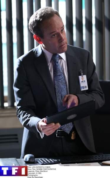 Peter MacNicol continue sa longue carrière, notamment dans la série Veep et dans All Rise