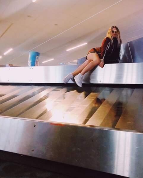 Fergie a adopté une pose très naturelle à l'aéroport de Nassau aux Bahamas.