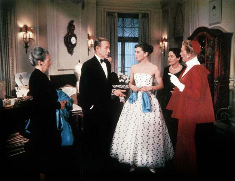 """""""Drôle de frimousse"""" (1957) : un titre qui lui va si bien ! Lumineuse en robe Givenchy, elle côtoie Fred Astaire"""