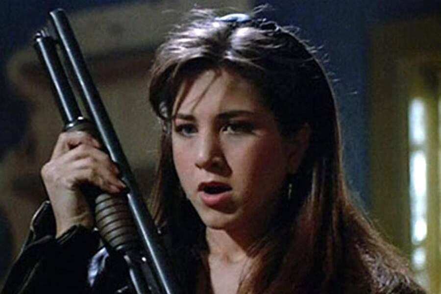 1992. Jennifer fait ses premiers pas au cinéma dans le film d'horreur Leprechaun