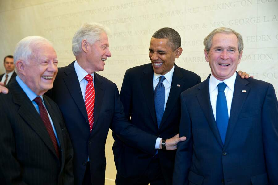 Carter, Clinton, Obama et Bush, quatre présidents réunis. Nous sommes le 25 avril 2013