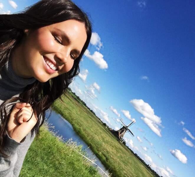 Direction la campagne hollandaise avec la top-model Candice Huffine.