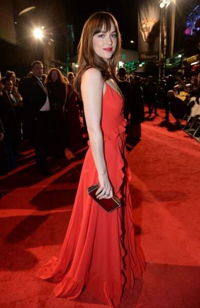 Dakota Johnson a aussi attiré tous les regards dans sa rouge rouge flamboyante