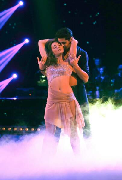 Dans Danse avec les stars 6, elle crève l'écran aux côtés de Christophe Licata.