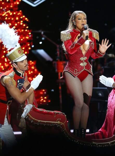 Après l'annulation de son mariage, Mariah Carey a retrouvé le sourire grâce à son danseur Bryan Tanaka.