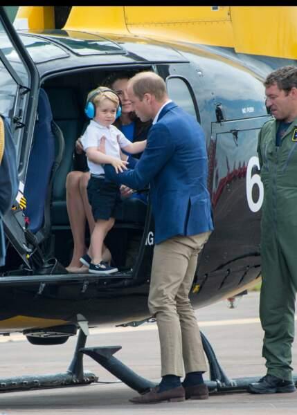 Baby George a bien aimé son escapade en hélico !