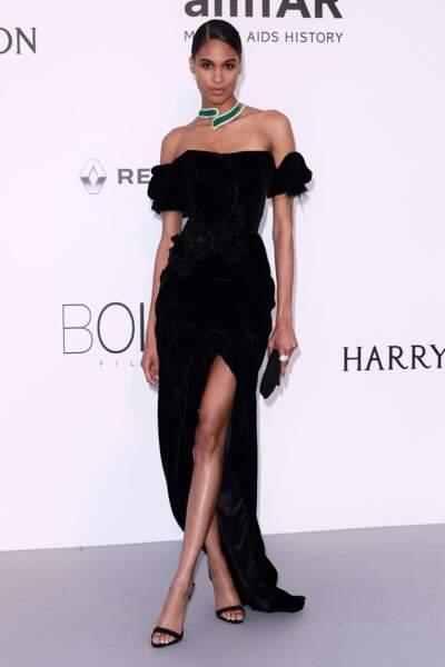 Cindy Bruna, très élégante...