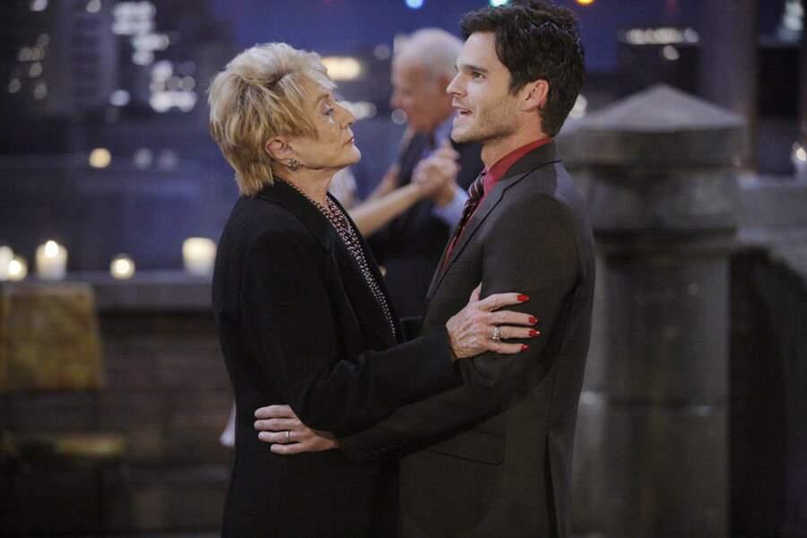 Greg Rikaart est l'un des jeunes acteurs qui bénéficiait des précieux conseils de Jeanne.