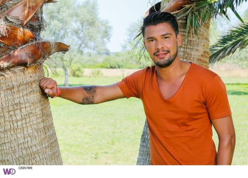 Kevin, petit nouveau des Marseillais en Thaïlande, est de retour dans ce cross-over