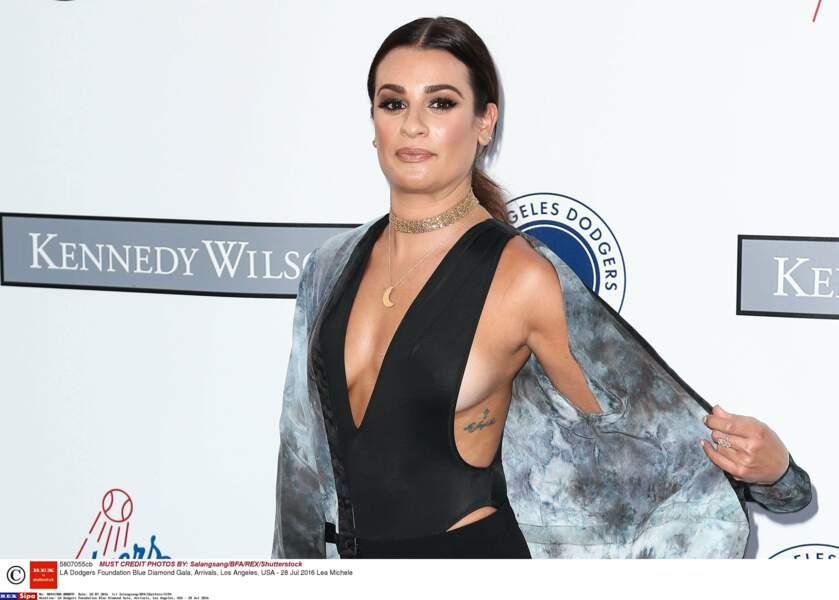 Lea Michele a aussi plusieurs tatouages, dont un en hommage à Cory Monteith.