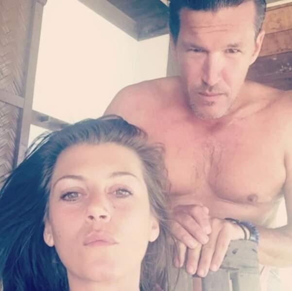 Oups, Benjamin Castaldi et sa femme ont oublié de sourire sur ce selfie en vacances.