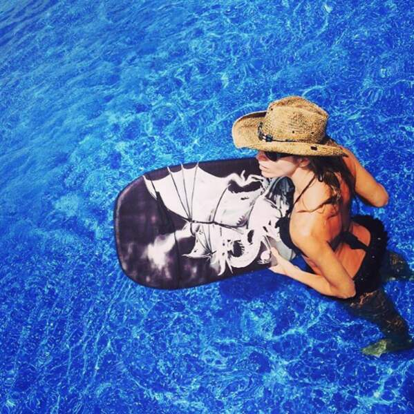 Tonia Kinzinger et son wake-board.