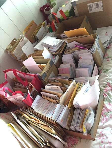 Il faudra prévoir 3 années pour pouvoir lire le courrier envoyé par ses fans!