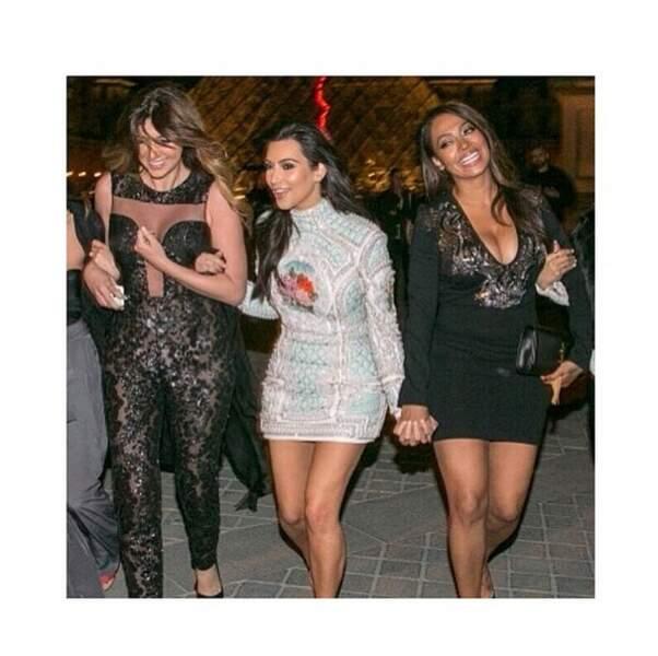 La star américaine était à Paris pour fêter son enterrement de vie de jeune fille avec TOUTES ses copines