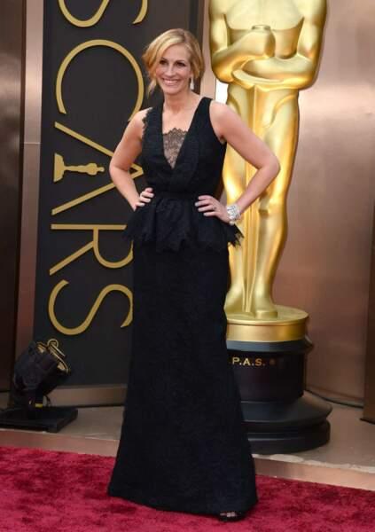Julia Roberts divine en noir