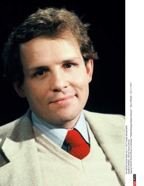 En 1977, Patrick Poivre d'Arvor est le présentateur du 20h d'Antenne 2
