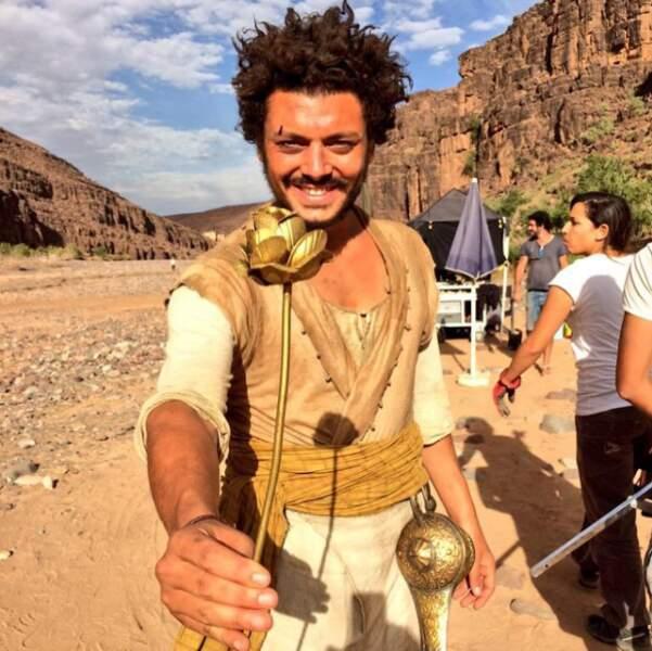 En plein désert sur le tournage des Nouvelles Aventures d'Aladin