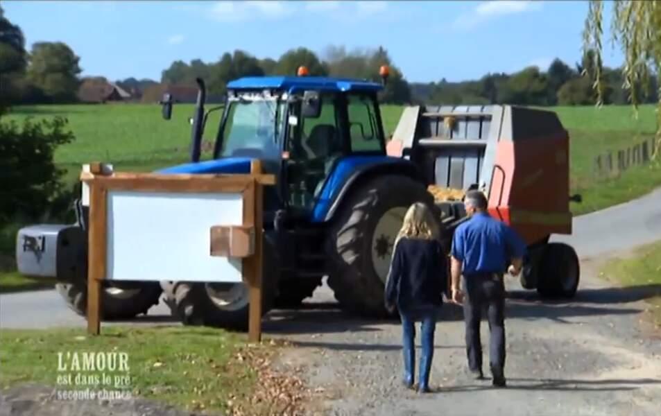 Christophe fait le coup du tracteur à Véronique. Original