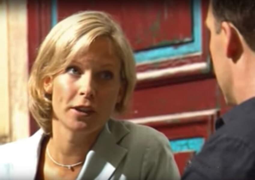 Contrairement à son père Charles, Céline Frémont (Rebecca Hampton, ici dans le 1er épisode), s'est vouée au droit