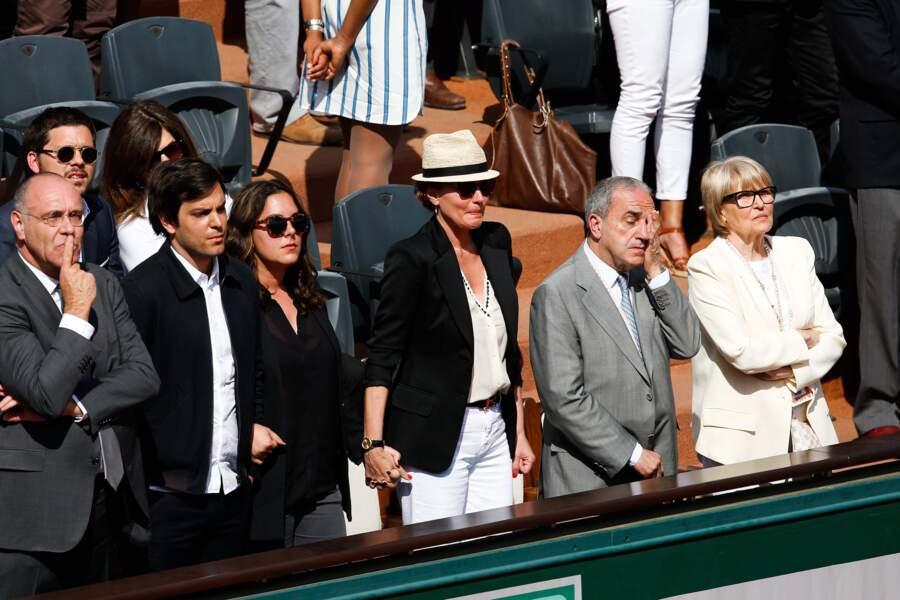 Cendrine Dominguez, très émue lors de l'hommage rendu à son mari, Patrice