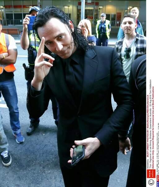 Tom Hiddleston vous salue !