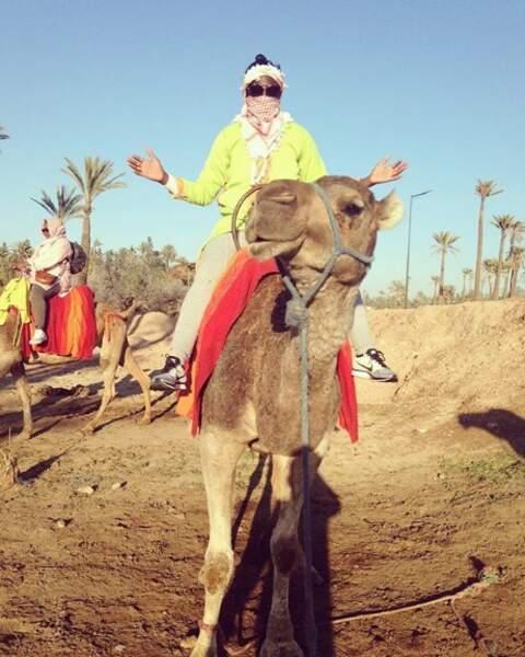 Viviane Asseyi profite des charmes du désert