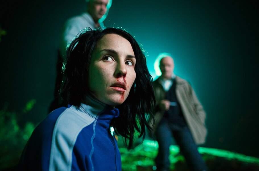 Dans Millenium 2, Lisbeth retrouve son père biologique, qu'elle tente de tuer.