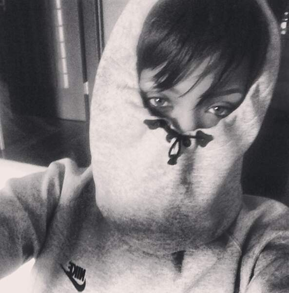 Rihanna par contre n'a rien compris au thème de la soirée...