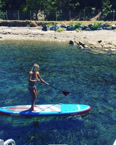 Sophie s'adonne au paddle...
